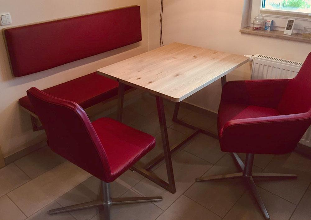 Sitzecke für die Küche inklusive Bank und Stühle